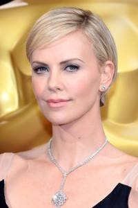 hbz-oscars2014-best-beauty-02-charlize-theron-lg